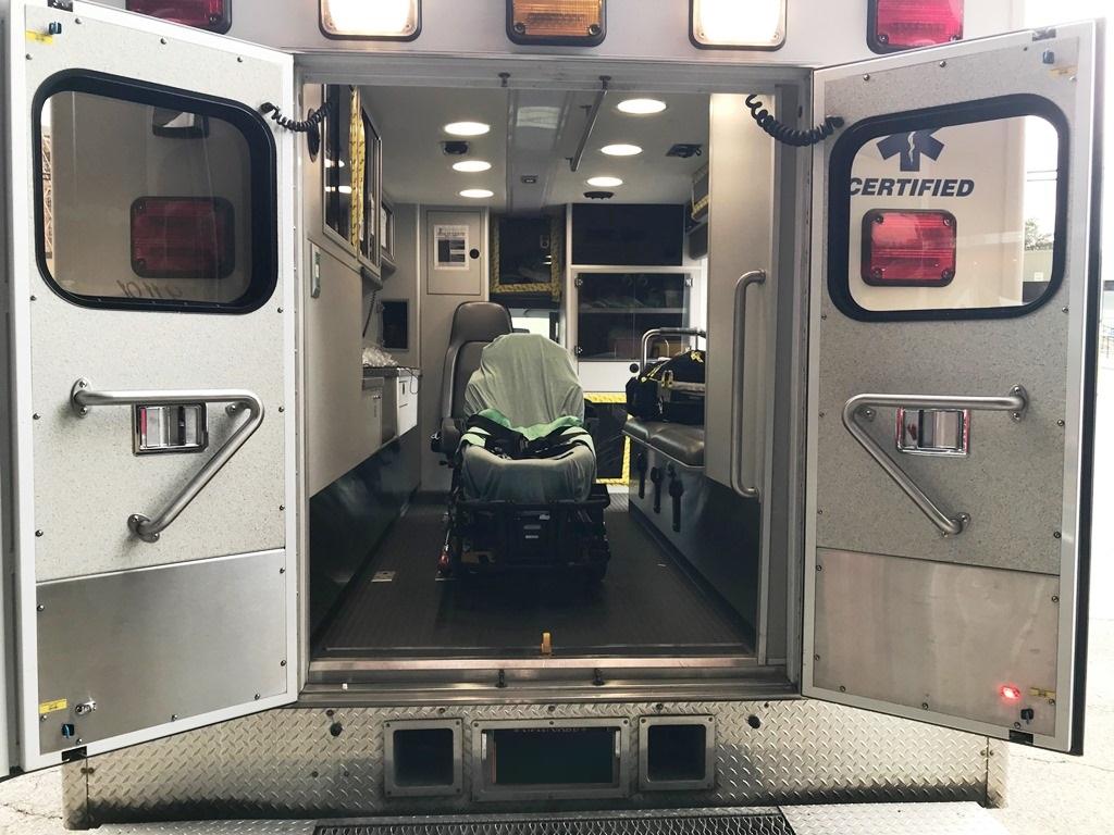 2013-E450-Used-Ambulance-14