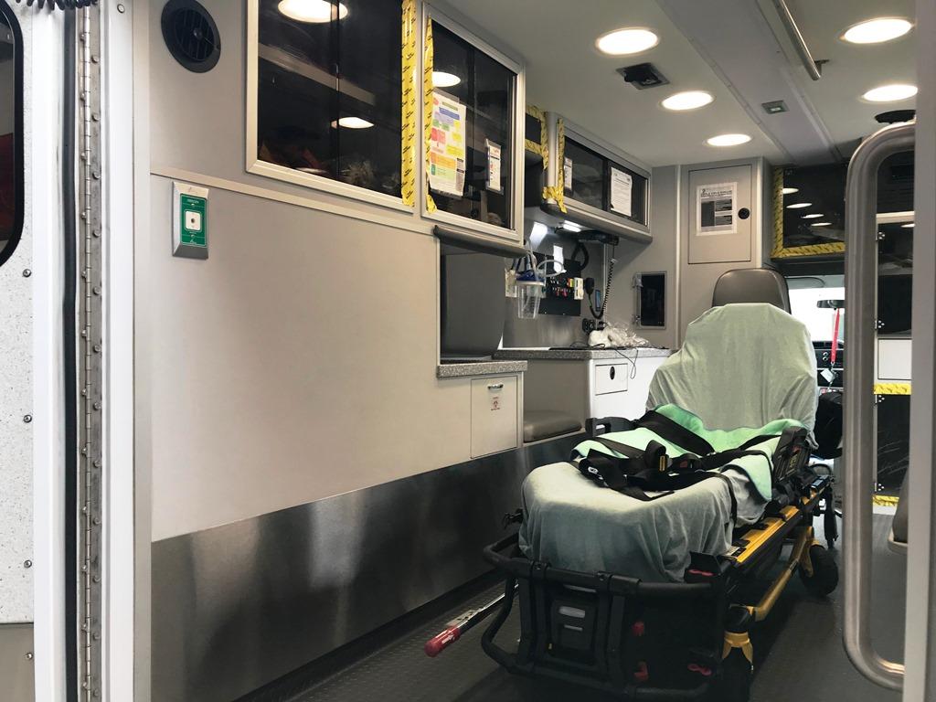 2013-E450-Used-Ambulance-16