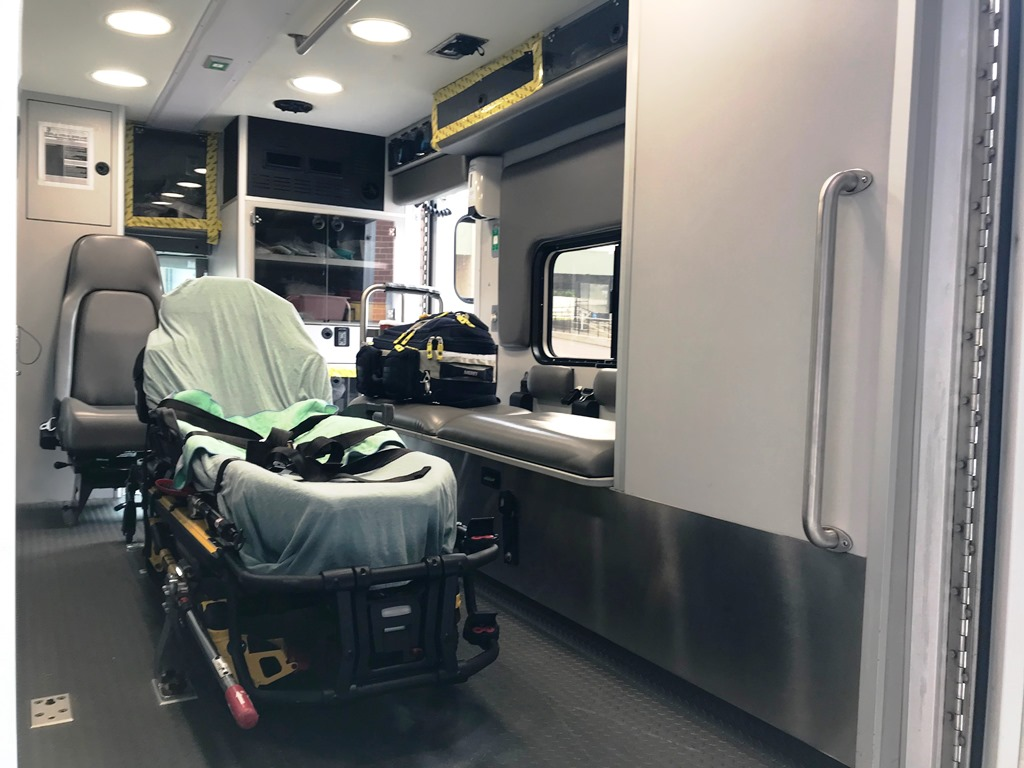2013-E450-Used-Ambulance-17