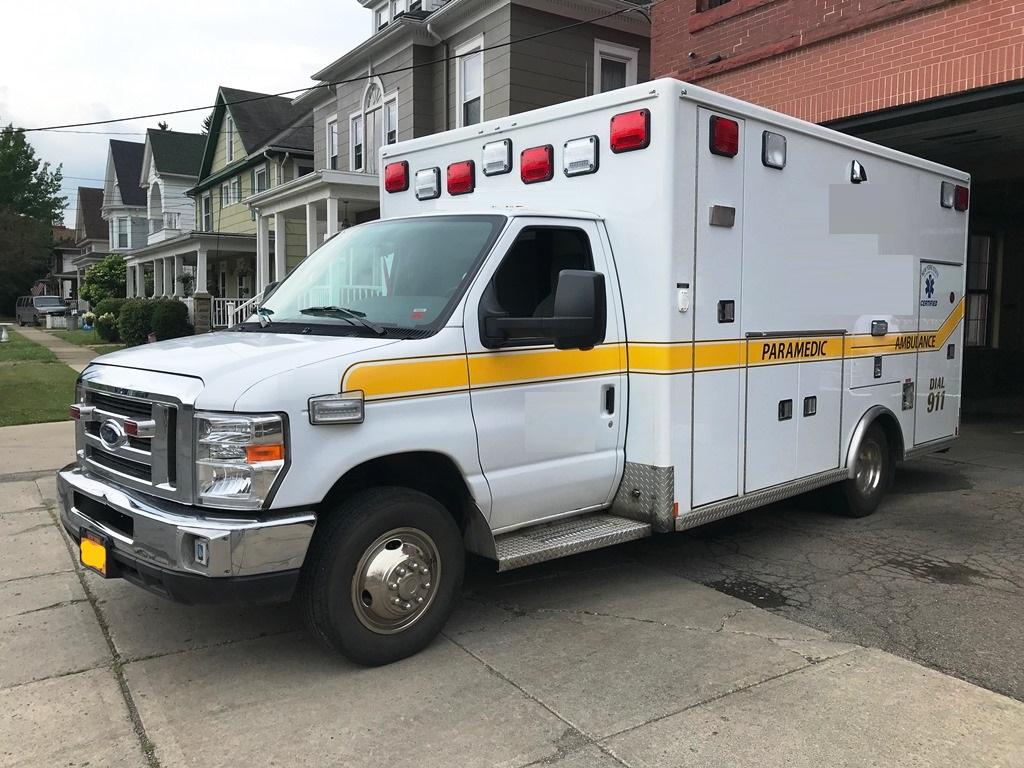 2013-E450-Used-Ambulance-2