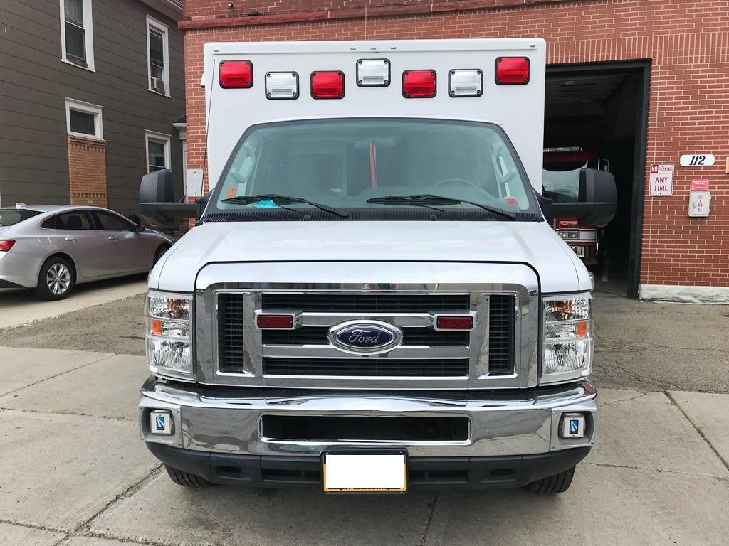 2013-E450-Used-Ambulance-3
