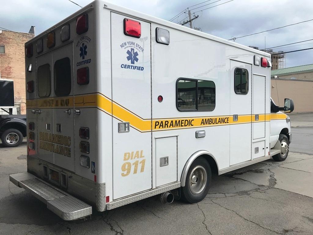 2013-E450-Used-Ambulance-6