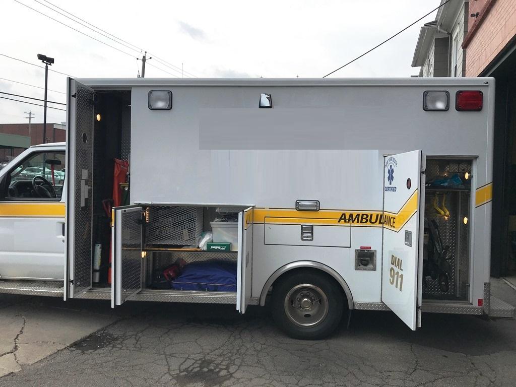 2013-E450-Used-Ambulance-9