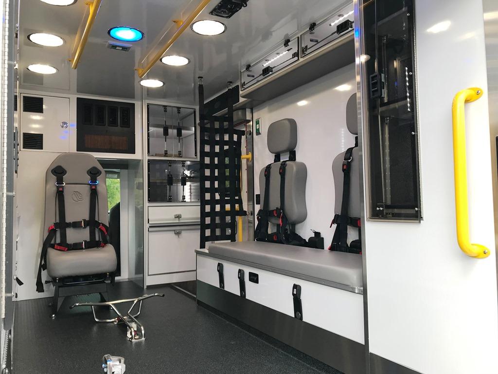2020-Medix-Ambulance-Demo-14
