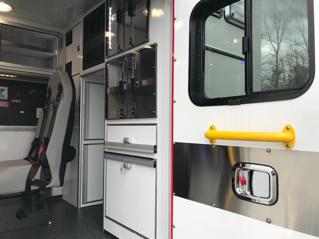 2020-Medix-Ambulance-Demo-15