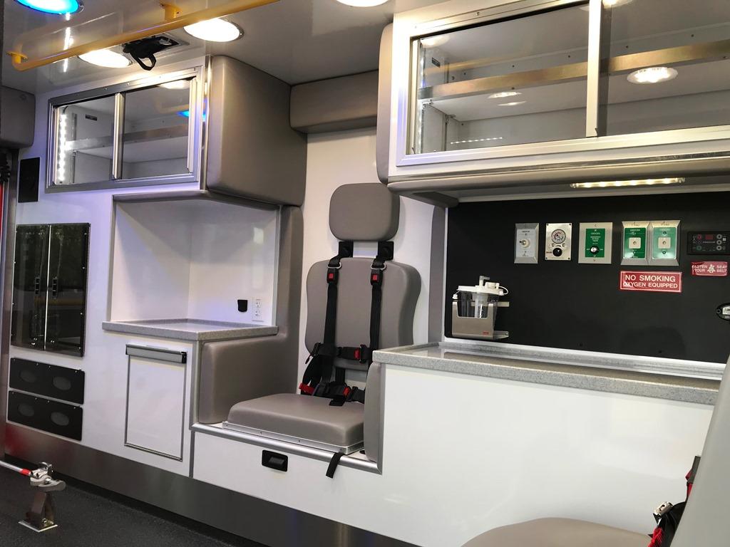 2020-Medix-Ambulance-Demo-19