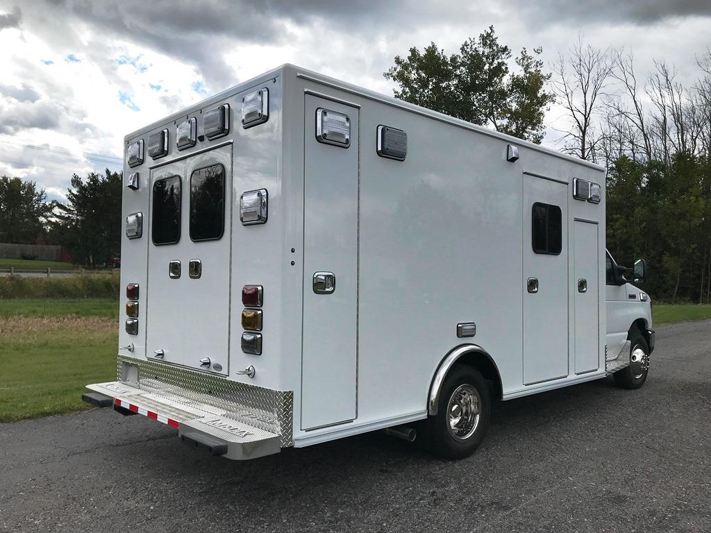 2020-Medix-Ambulance-Demo-6