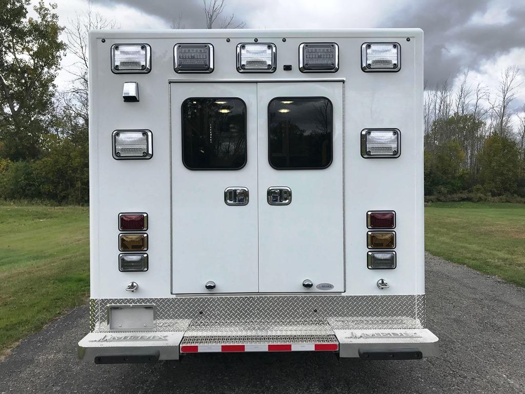 2020-Medix-Ambulance-Demo-7