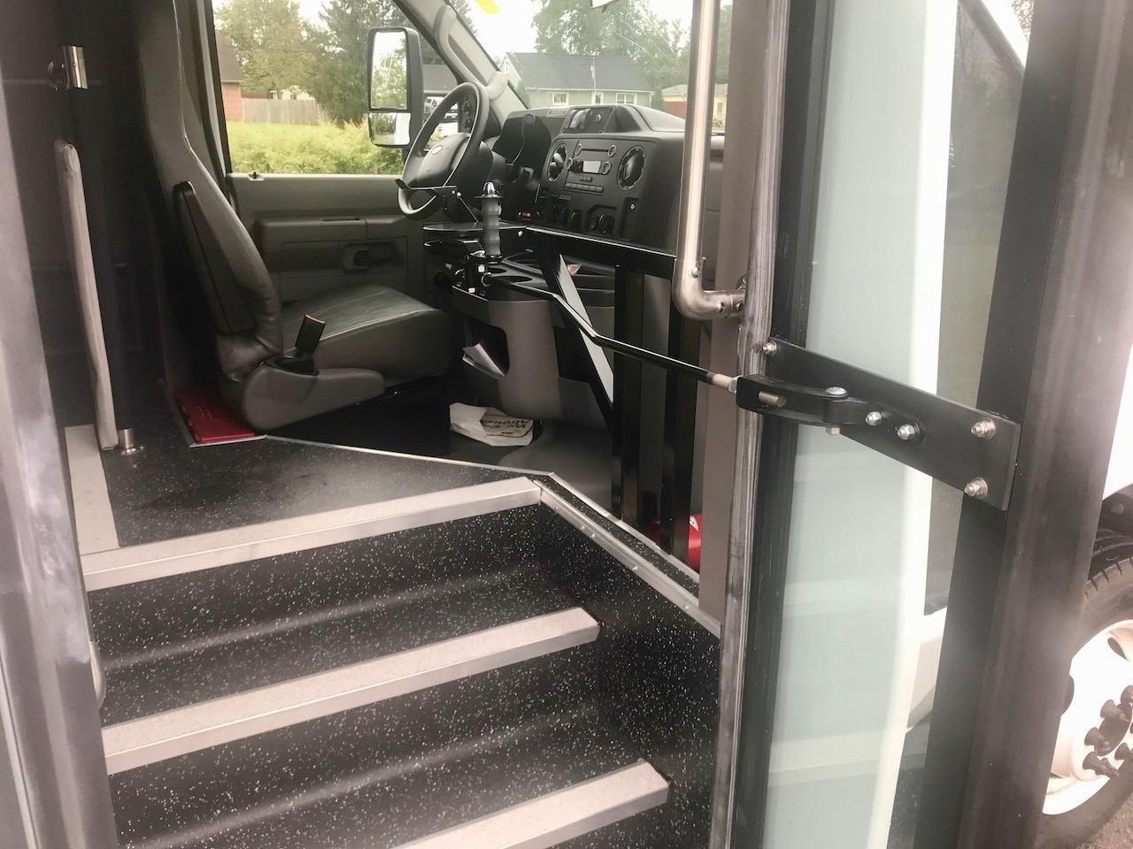 Diamond Coach - Corvus Bus - 16