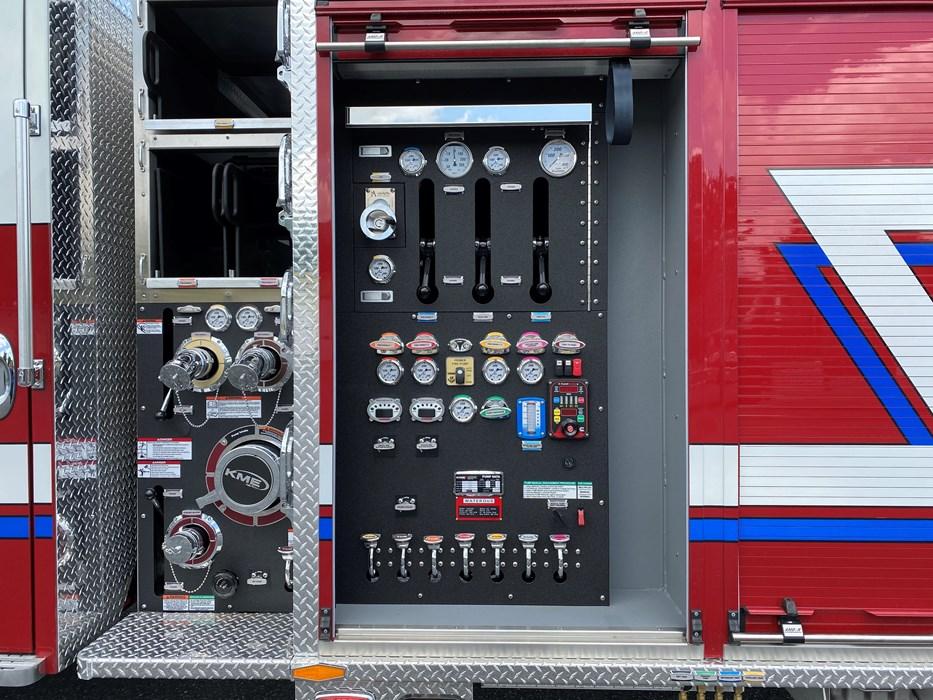 KME-Pumper-Truck-11040-2