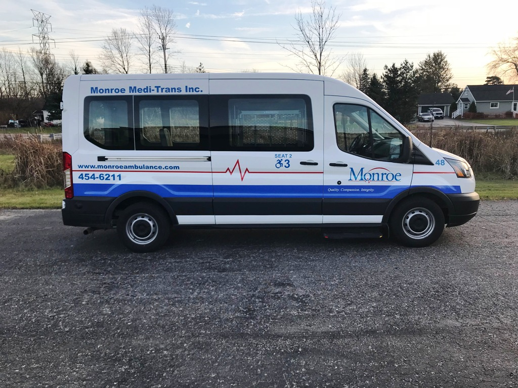 Monroe Ambulance - Paratransit stretcher van - 5