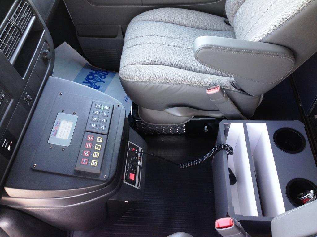 2014-Life-Line-Chevrolet-G4500-5